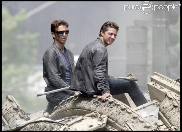 Sur le tournage de  Transformers 3 , en septembre 2010.