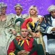 Une soirée royale est organisée dans la Maison des Secrets... Chacun a son rôle dans la cour du Roi Benoît !