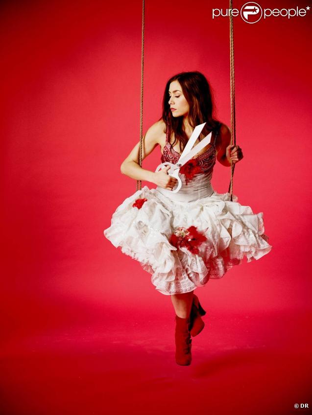"""Olivia Ruiz sera la marraine du Noël 2010 du BHV. Fidèle à sa personnalité fantasque, qui aime autant les ténèbres que la lumière, elle a concocté un étonnant """"Noël Circus"""" pour le grand magasin parisien. A découvrir dès le 17 novembre."""