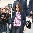 Selena Gomez devant les studios de la radio NRJ à Paris le 19 octobre 2010