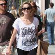 Sharon Stone revient du cours de karaté de son fils Roan, à Beverly Hills, le 5 octobre 2010