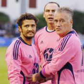 Bixente Lizarazu, Laurent Blanc, Claude Brasseur s'amusent dans une vague rose !
