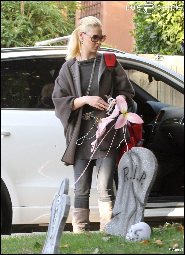 Katherine Heigl et Josh Kelley fêtent Halloween avec leur petite Naleigh, le 31/10/10
