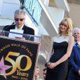 Laura Dern, entourée de ses parents Diane Ladd et Bruce Dern, lors du discours de David Lynch à l'occasion de l'inauguration de leurs trois Etoiles sur le Walk of Fame d'Hollywood Boulevard, à Los Angeles, le 1er novembre 2010.