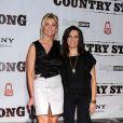 Faith Hill et Martina McBride lors de la première de Country Strong au Green Hills Cinemas à Nashville le 8 novembre 2010