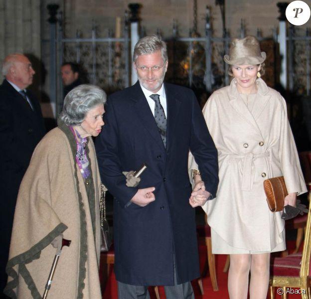 Le train de vie et les dépenses de la famille royale belge, décriés, sont à nouveau sous les projecteurs avec le dévoilement, mercredi 17 novembre 2010, des dotations allouées à ses membres.