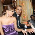 Quelques notes sur un piano, Tony Parker continue de faire la cour à Eva Longoria après 2 ans de mariage.