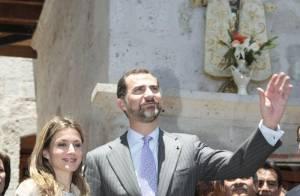 """Quand Letizia d'Espagne opte pour un look très """"Lady Di""""..."""