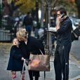 Hugh Jackman va chercher en famille la dinde de Thanksgiving, le 23 novembre 2010.