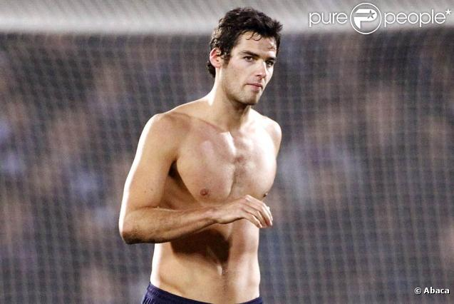 http://static1.purepeople.com/articles/3/69/45/3/@/522835-yoann-gourcuff-637x0-2.jpg