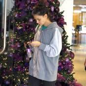 Katie Holmes : Pour Noël, elle s'offre... le pire des looks !