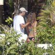 Elisabetta Canalis et George Clooney à Los Cabos au Mexique, le 27  décembre 2010