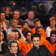 Gérard Lanvin et son fils Manu lors de l'émission Vivement Dimanche, diffusée sur France 2 le 9 janvier 2011.