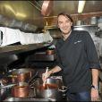 Cyril Lignac dans les cuisines de  Chez Castel  !