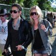 Kate Moss et Jamie Hince font tout ensemble ! Surtout les festivals de musique !