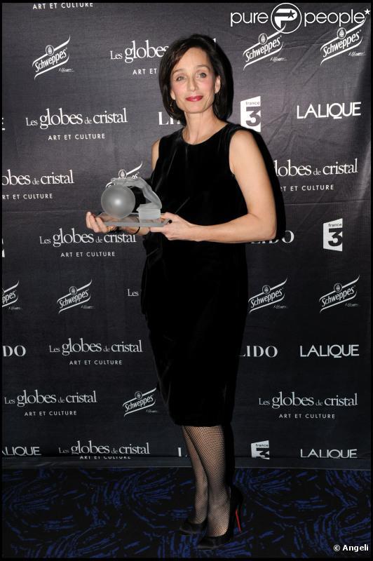 Kristin Scott Thomas à la cérémonie des Globes de Cristal, le 7 février 2011, à Paris.