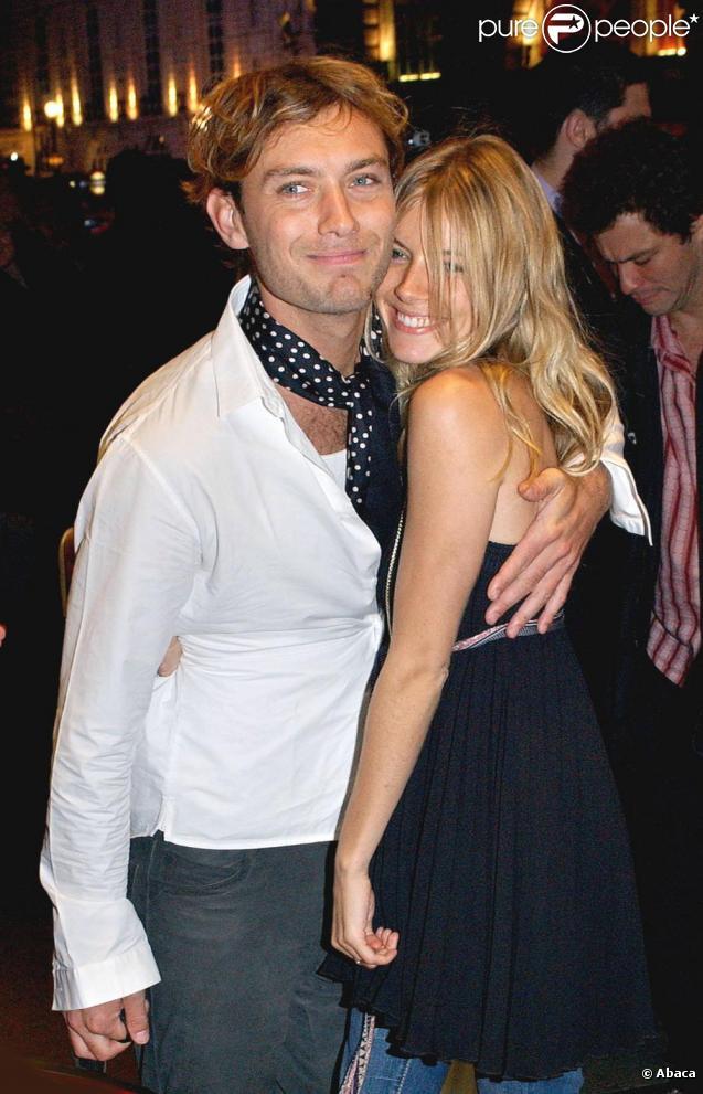 Jude Law et Sienna Miller, en juillet 2005