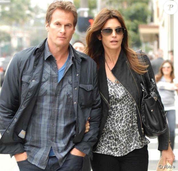Cindy Crawford et son mari Rande Gerber vont déjeuner au restaurant Nate'n Al à Los Angeles, le 15 février 2011.