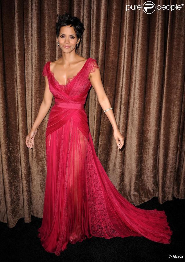 Halle Berry lors de la soirée des Annual Costume Designer awards à Los Angeles le 22 février 2011