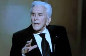 Oscars 2011 : Kirk Douglas, 94 ans et toujours aussi drôle et enthousiaste !