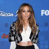 Jennifer Lopez : à 41 ans, elle se prend pour une écolière sexy... très limite !