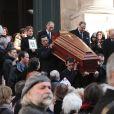 La sortie de l'église Saint-Roch où se sont déroulées les obsèques d'Annie Girardot le 4 mars 2011 à Paris