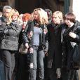 Fiona Gélin et Danièle Evenou quittant l'église Saint-Roch à Paris où se sont déroulées les obsèques d'Annie Girardot le 4 mars 2011
