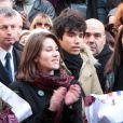 Lola et Renato, petits-enfants d'Annie, quittant  l'église Saint-Roch à Paris où se sont déroulées les obsèques d'Annie  Girardot le 4 mars 2011