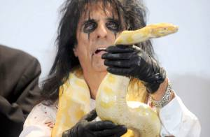 Alice Cooper plonge le Rock and Roll Hall of Fame dans l'effroi !