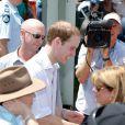 Le prince William en visite en Australie, fin mars 2011. Le petit-fils de la reine Elizabeth II a apporté son soutien aux sinistrés des inondations du Queensland et du passage du cyclone Yasi.