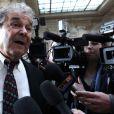 Pierre Perret arrive au tribunal correctionnel de Paris, le 23 mars 2011