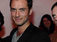 Jude Law : Célibataire, mais épanoui et très bien entouré !