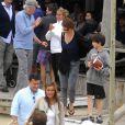 Richard Gere en vacances à Punta Del Este avec sa femme et son fils le 25 mars 2011 provoque une émeute !