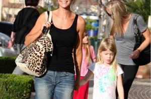 Denise Richards protège ses filles en faisant... du shopping !