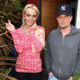 Lundi 28 mars, Lindsay Lohan reçoit la visite d'un ami de longue date, Claus Hjelmbak, manager de stars originaire du Danemark, à son domicile de Venice (Los Angeles).