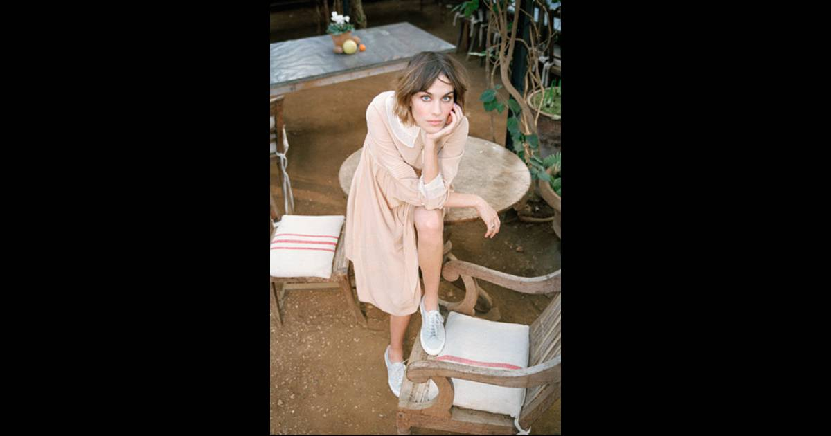 the unfolding of secrets in it a novel by alexa chung Aztec secret indian healing clay deep pore i love alexa chung, however this book wasn't a fair dipiction of anything more than a random compliation of images and.