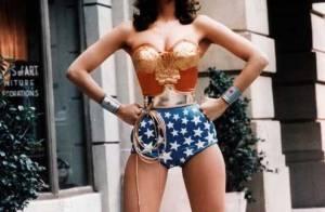 Wonder Woman : A 59 ans, la sublime Lynda Carter, reine d'une parade gay !