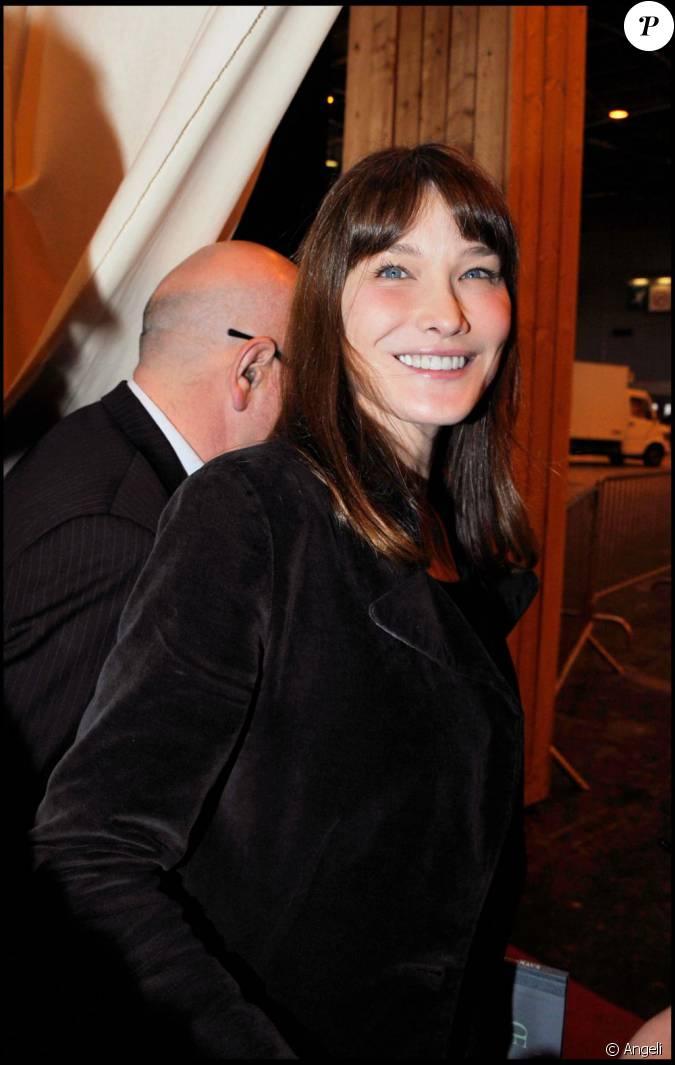 Carla bruni en mars 2011 au salon du livre paris for Salon du divorce