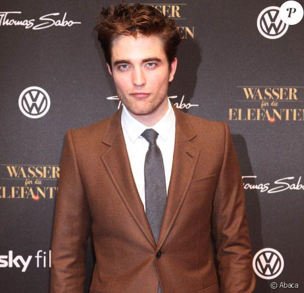 Robert Pattinson à l'occasion de l'avant-première allemande de De l'eau pour les éléphants, à Berlin, le 27 avril 2011.