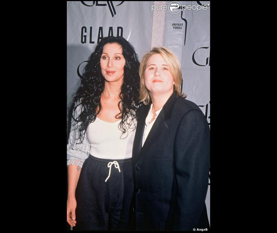 la chanteuse cher et sa fille chastity bono en 1998 purepeople. Black Bedroom Furniture Sets. Home Design Ideas