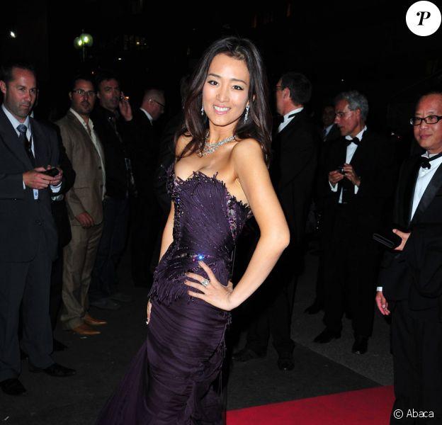 Gong Li lors du dîner de gala post cérémonie d'ouverture au festival de Cannes le 11 mai 2011
