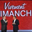 Michel Drucker et Claude Serillon durant le tournage de l'émission Vivement Dimanche spéciale Les comédiens et l'histoire le 11 mai, diffusée le 15 mai 2011 dans le Studio Gabriel