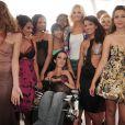 Adriana Karembeu soutient la jeune créatrice Lucie Carrasco, en défilant à ses côtés sur la Croisette, à Cannes, samedi 14 mai.