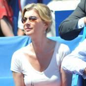 Michèle Laroque, détendue et superbe, s'entraîne pour Roland-Garros !