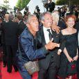 Samy Naceri monte les marches du festival de Cannes pour l'hommage à Jean-Paul Belmondo, ici avec Richard Anconina, le 17 mai 2011.