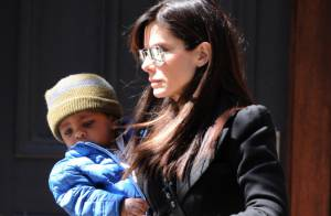 Sandra Bullock : Devant George Clooney, son adorable fils reste impassible !