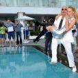 La sublime Karolina Kurkova et Richard Branson à l'Hôtel Mondrian, à l'occasion des 25 ans de la ligne Miami/Londres de Virgin Atlantic Airways, à Miami, le 16 juin 2011.
