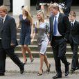 Le comte Charles Spencer (en famille en août 2007), frère de Lady Di, a épousé en troisièmes noces sa compagne de longue date Karen Gordon, le 18 juin 2011 dans l'intimité du fief familial d'Althorp.