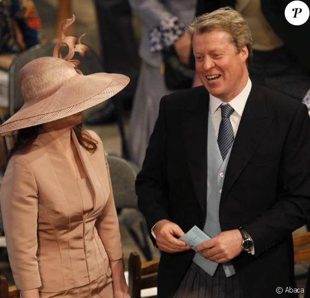 Le comte Charles Spencer, frère de Lady Di, a épousé en troisièmes noces sa compagne de longue date Karen Gordon, le 18 juin 2011 dans l'intimité du fief familial d'Althorp. Le 29 avril 2011, ils assistaient ensemble au mariage de William et Kate à Westminster.