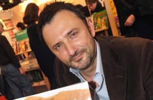 Frédéric Lopez reste sur France 2... et continuera à aller en Terre Inconnue